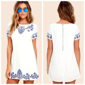 2/$25🌸 Lulus Blue & Ivory Embroidered Shift Dress